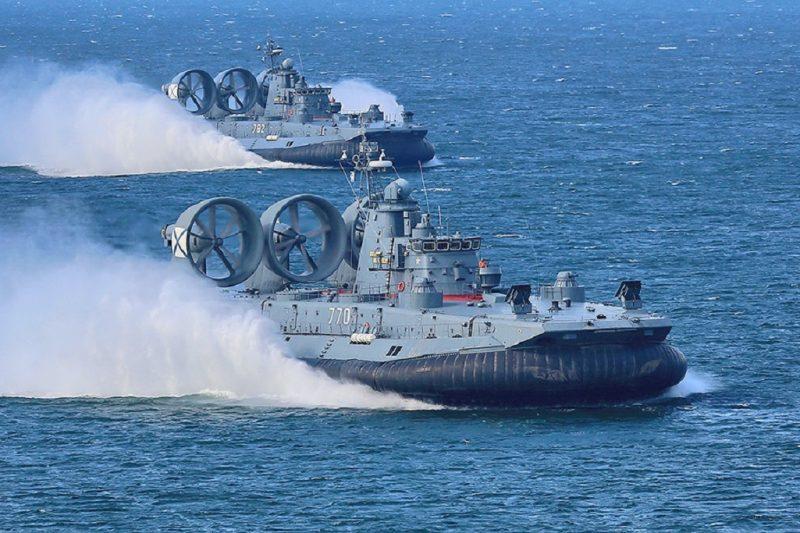 Малые десантные катера (МДК) на воздушной подушке проекта 12322 «Зубр»