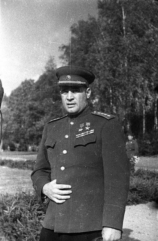 Дважды герой Советского Союза генерал армии Иван Черняховский