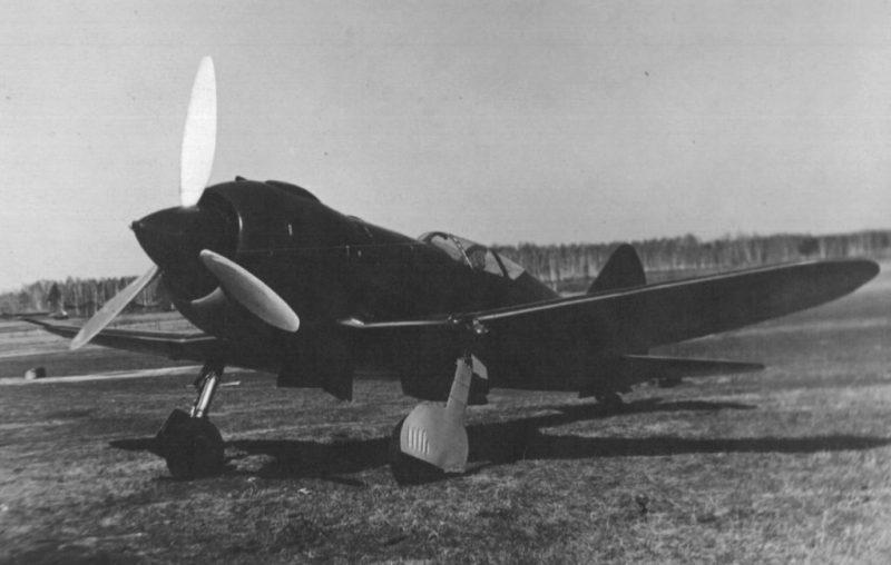 Опытный советский истребитель И-185