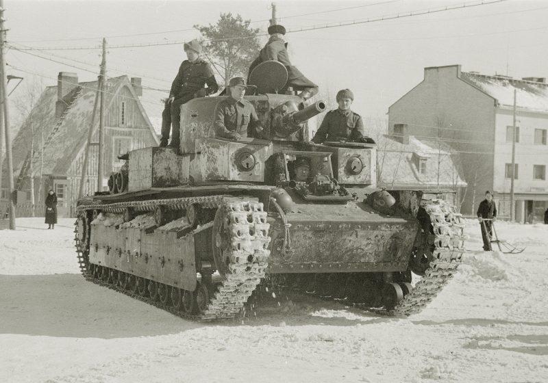 Средний танк Т-28 - лидер танкостроения