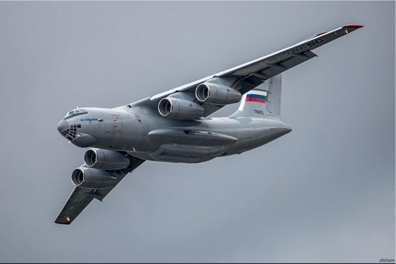Тяжелый военно-транспортный самолет Ил-76