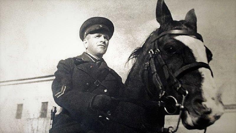 Лев Доватор - кавалерийский генерал