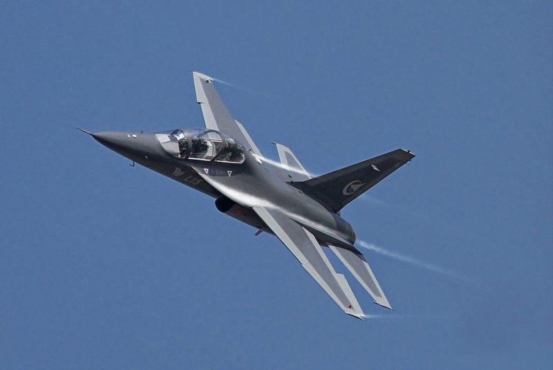 Самолет L-15 (JL-10) - китайский «клон» Як-130