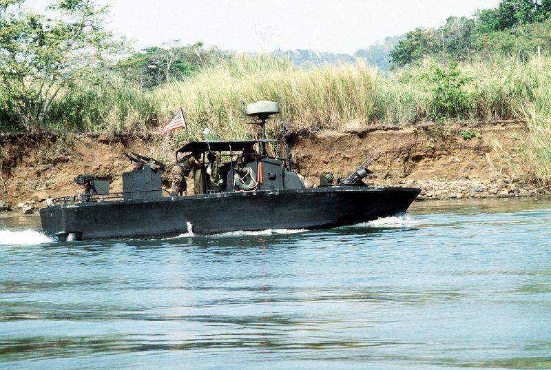 Речные катера США - «флот коричневых вод»