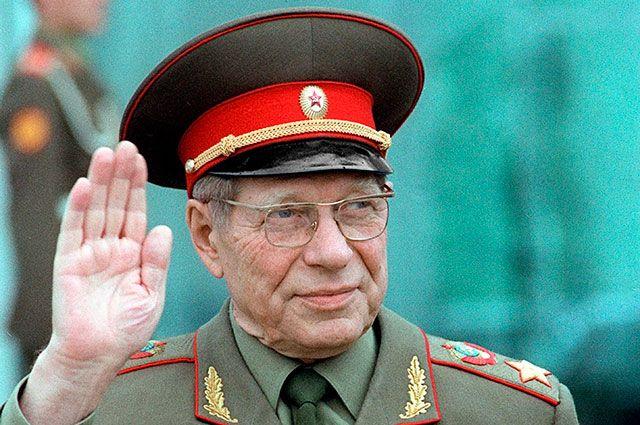 Дмитрий Устинов - сталинский нарком и брежневский министр