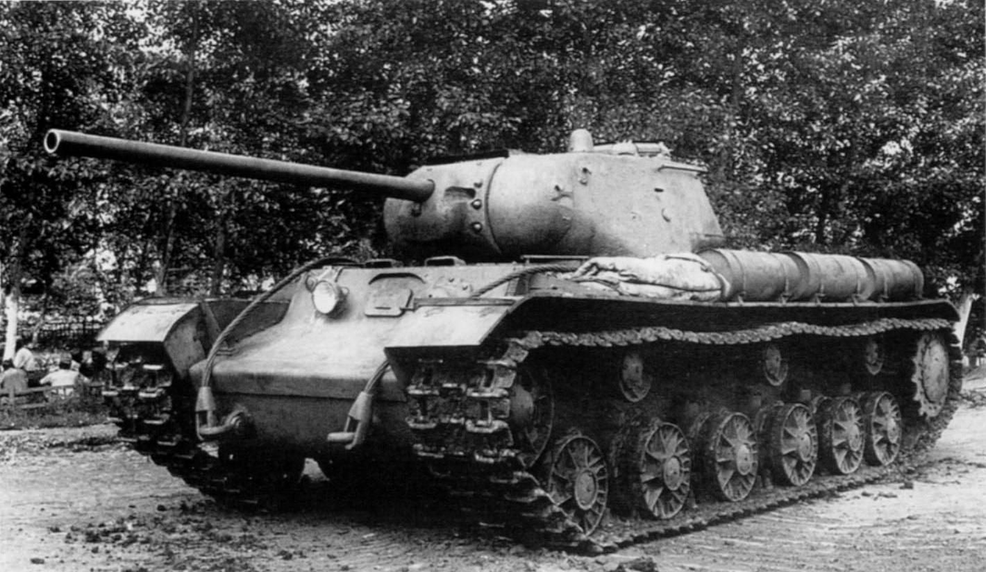 Тяжелый танк КВ-85