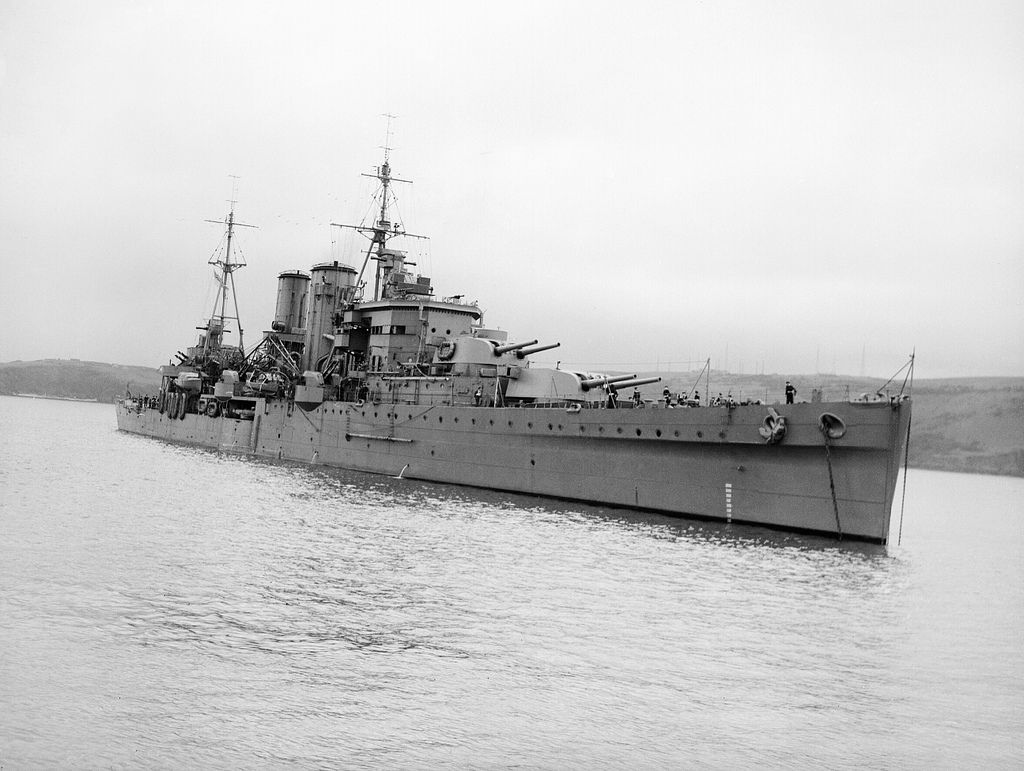 Британский крейсер «Эксетер»