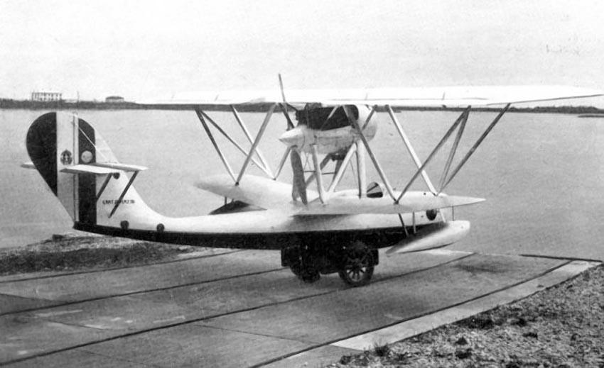 Итальянский гидроистребитель C.A.N.T. 25