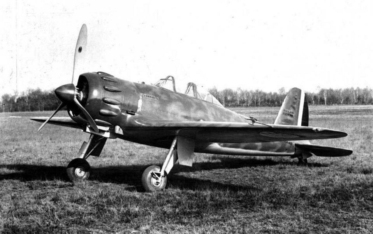 Итальянский истребитель Caproni Vizzola F.5