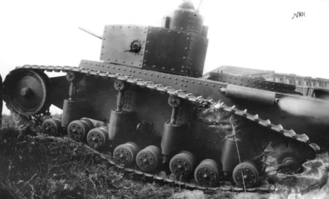 Маневренный танк Т-12