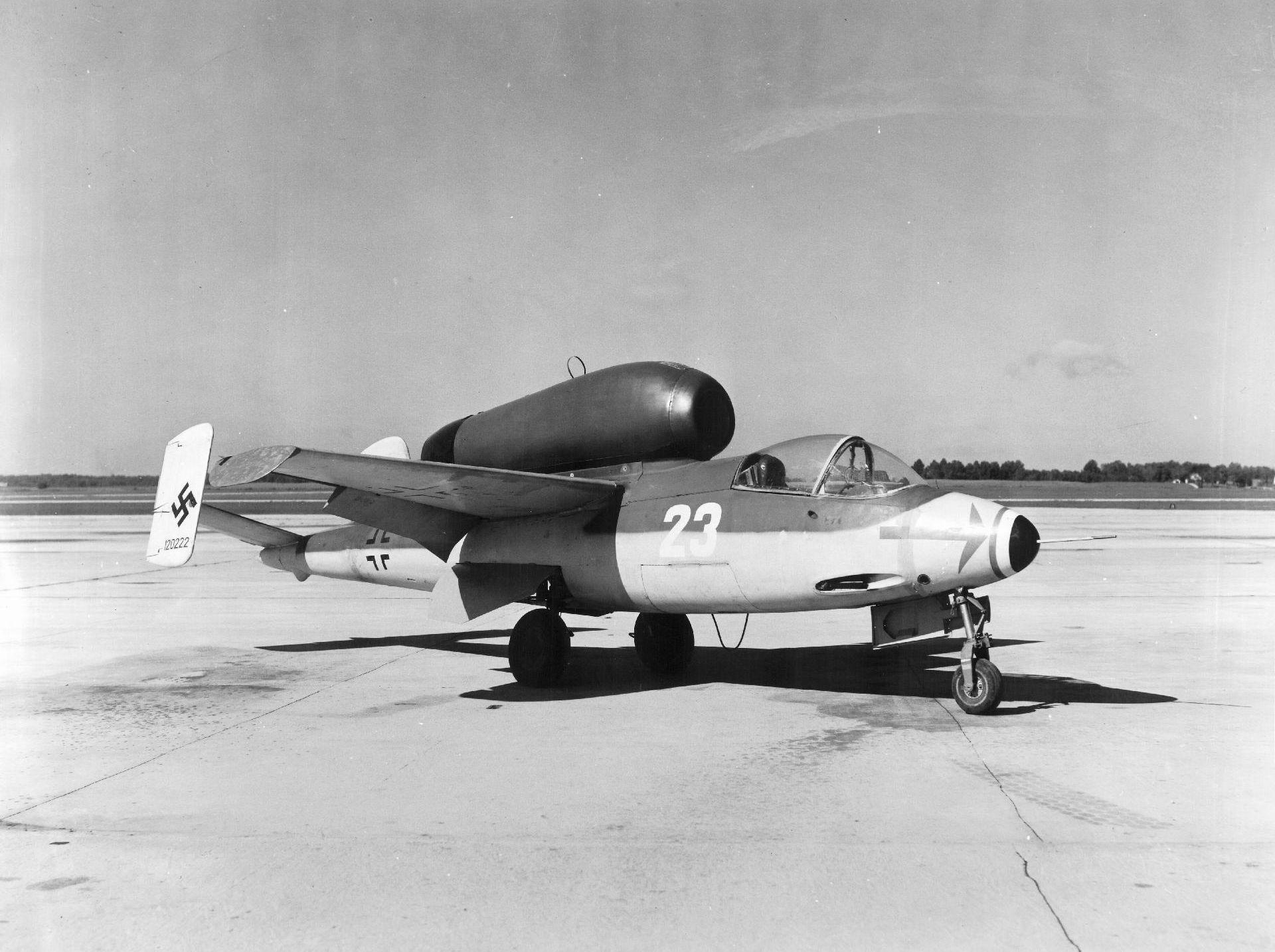 """Немецкий истребитель Heinkel Не 162 """"Salamander"""""""