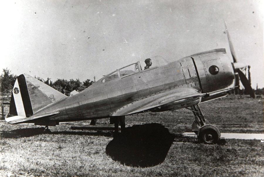 Итальянский истребитель Reggiane Re.2000