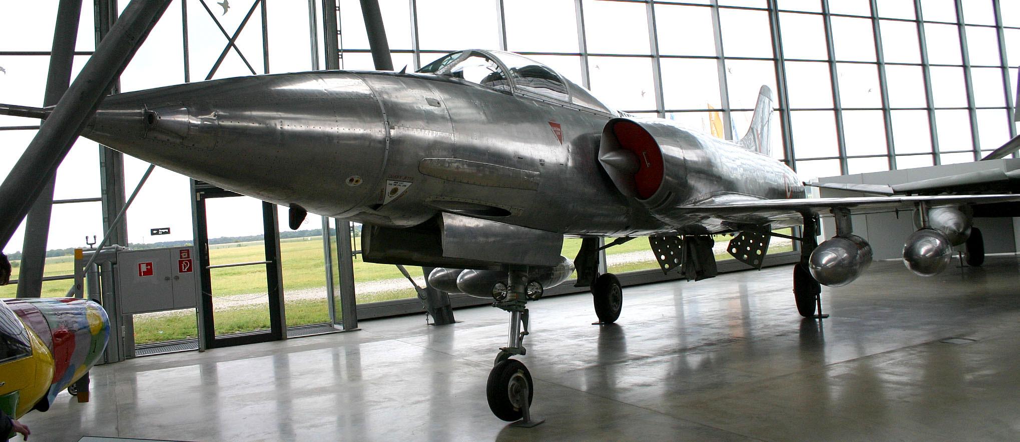 """Немецкий истребитель-бомбардировщик HAL HF-24 """"Marut"""""""