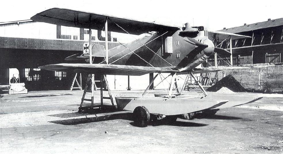 Германский истребитель L.F.G. Roland WD