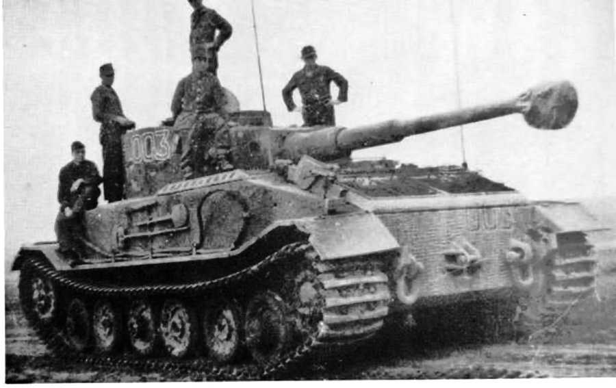 Немецкий тяжёлый танк Pz.Kpfw. VI Tiger (P)