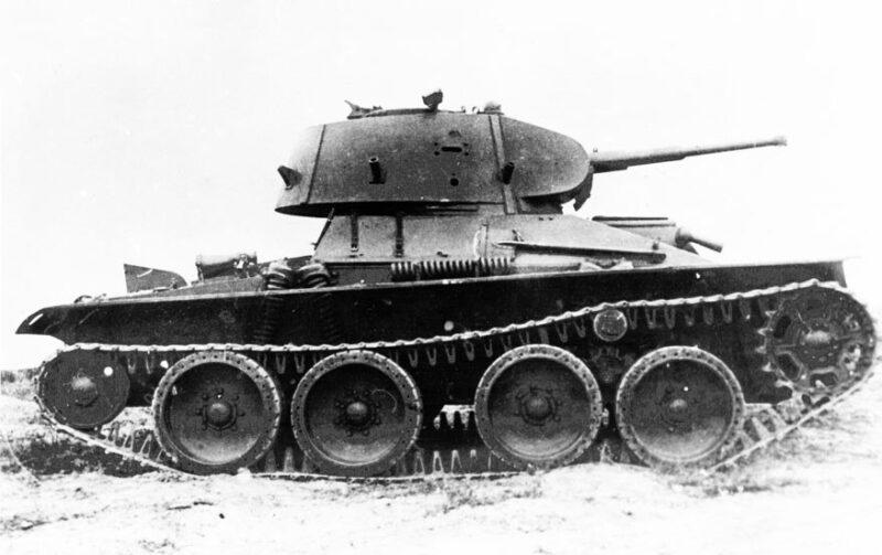 Лёгкий колёсно-гусеничный танк СТЗ-25