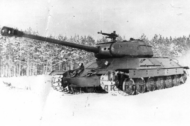 Советский тяжёлый танк ИС-6
