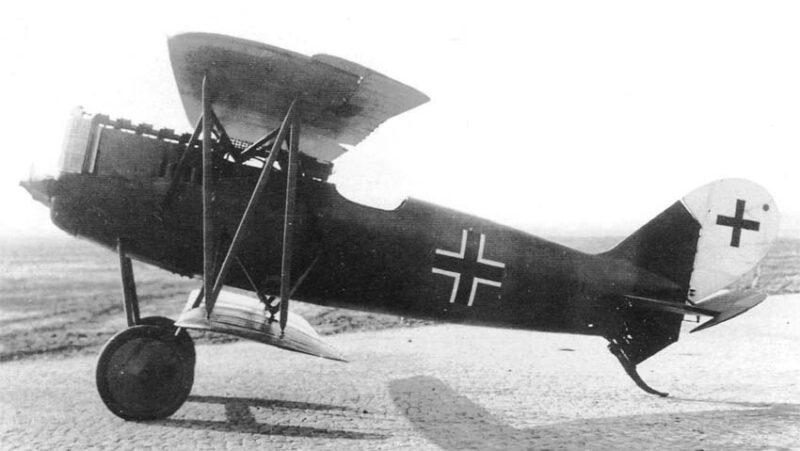 Германский истребитель Pfalz D.XV