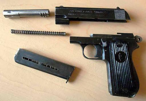 Конструкция пистолета «Unique» 17
