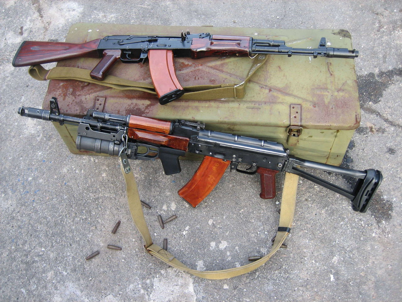 Автоматы Калашникова АК-74 и АКС-74 У (СССР-Россия)