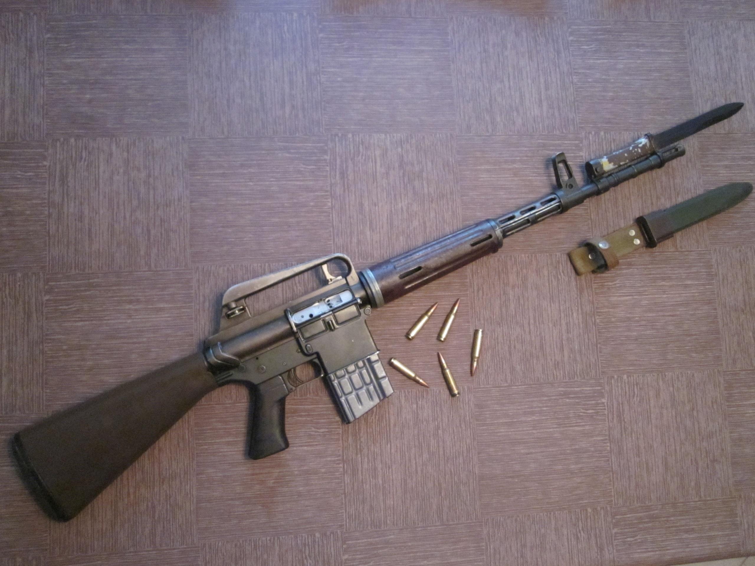 Автоматические винтовки «Armalite» AR-10 и AR-18 (США)