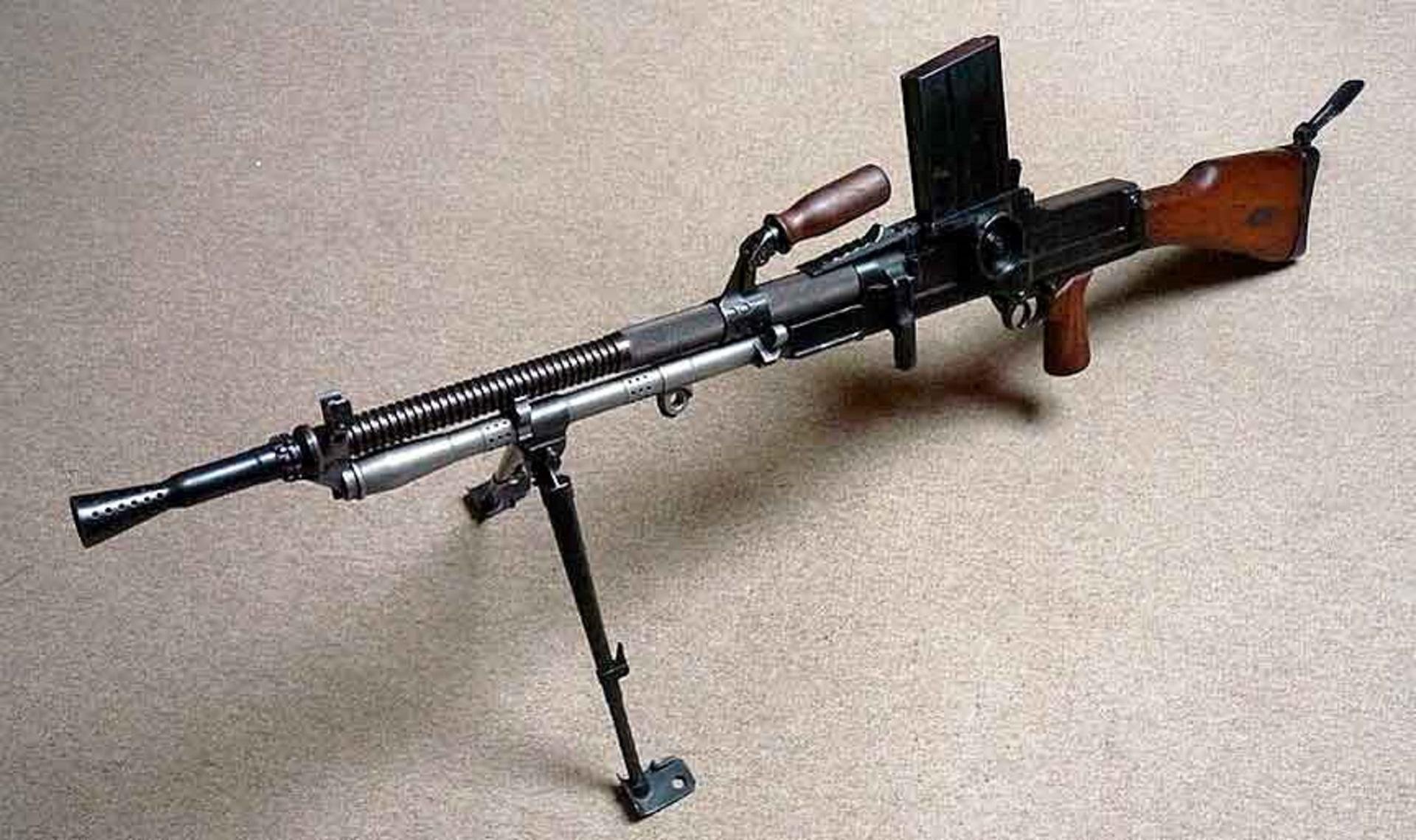 Ручные пулеметы ZB 26/30/33 и CZ 52/57 (Чехословакия)