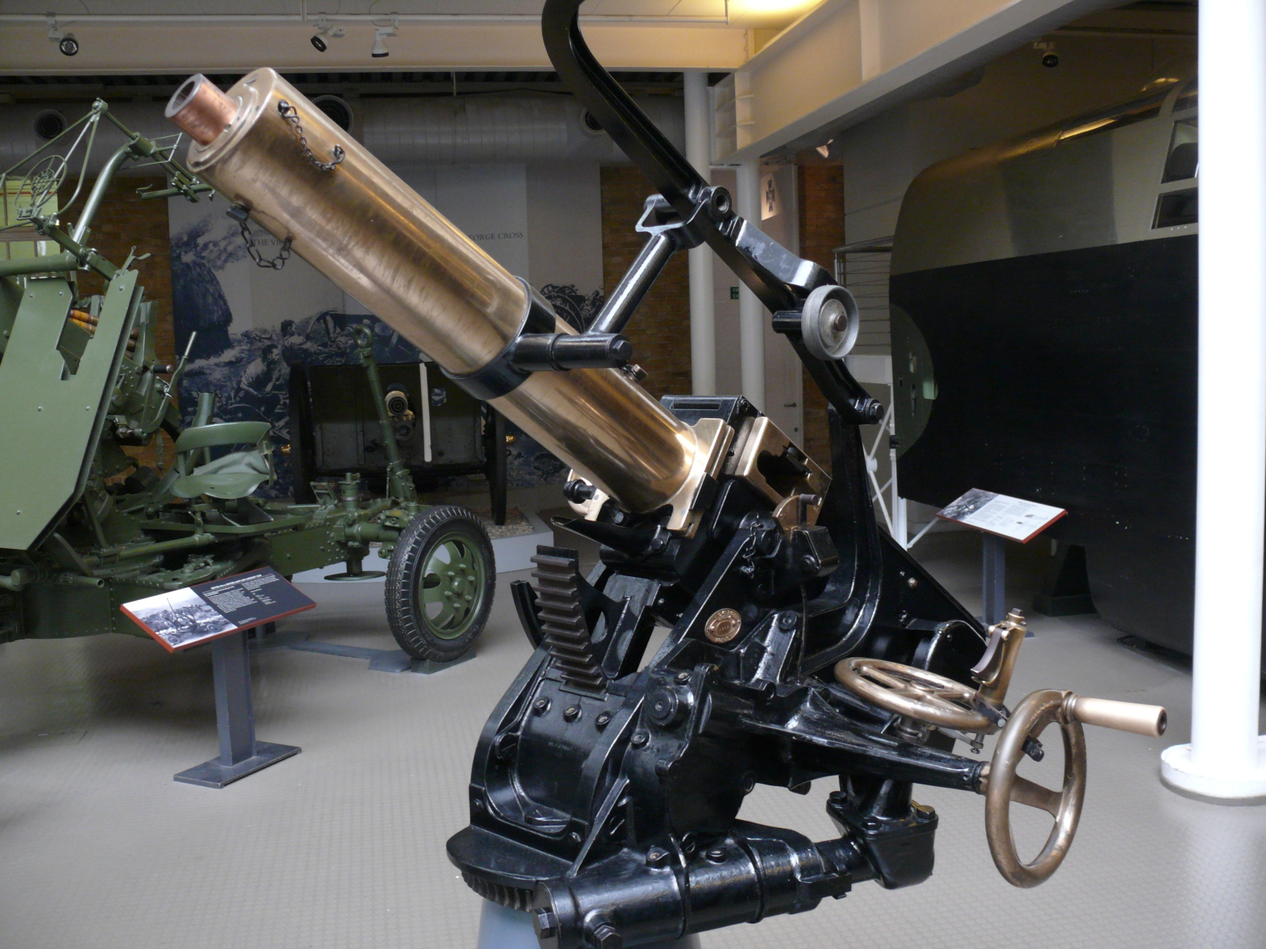 Автоматические пушки 37 mm «Maxim Pom-Pom» и 40 mm «Vickers» (Великобритания)