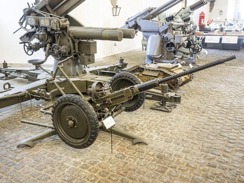 20 мм автоматические пушки «Bofors» (Швеция)
