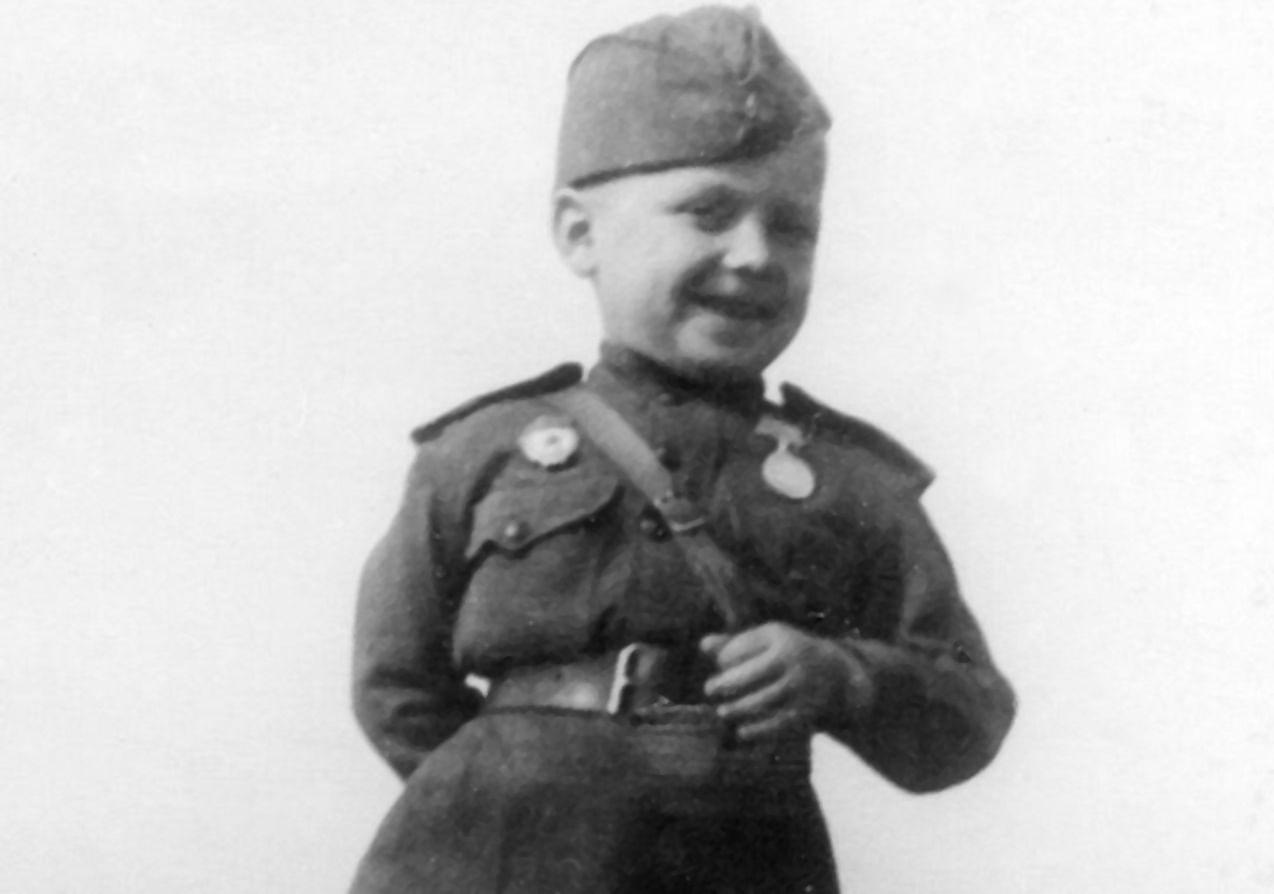 Сережа Алешков стал воином Красной армии в шесть лет