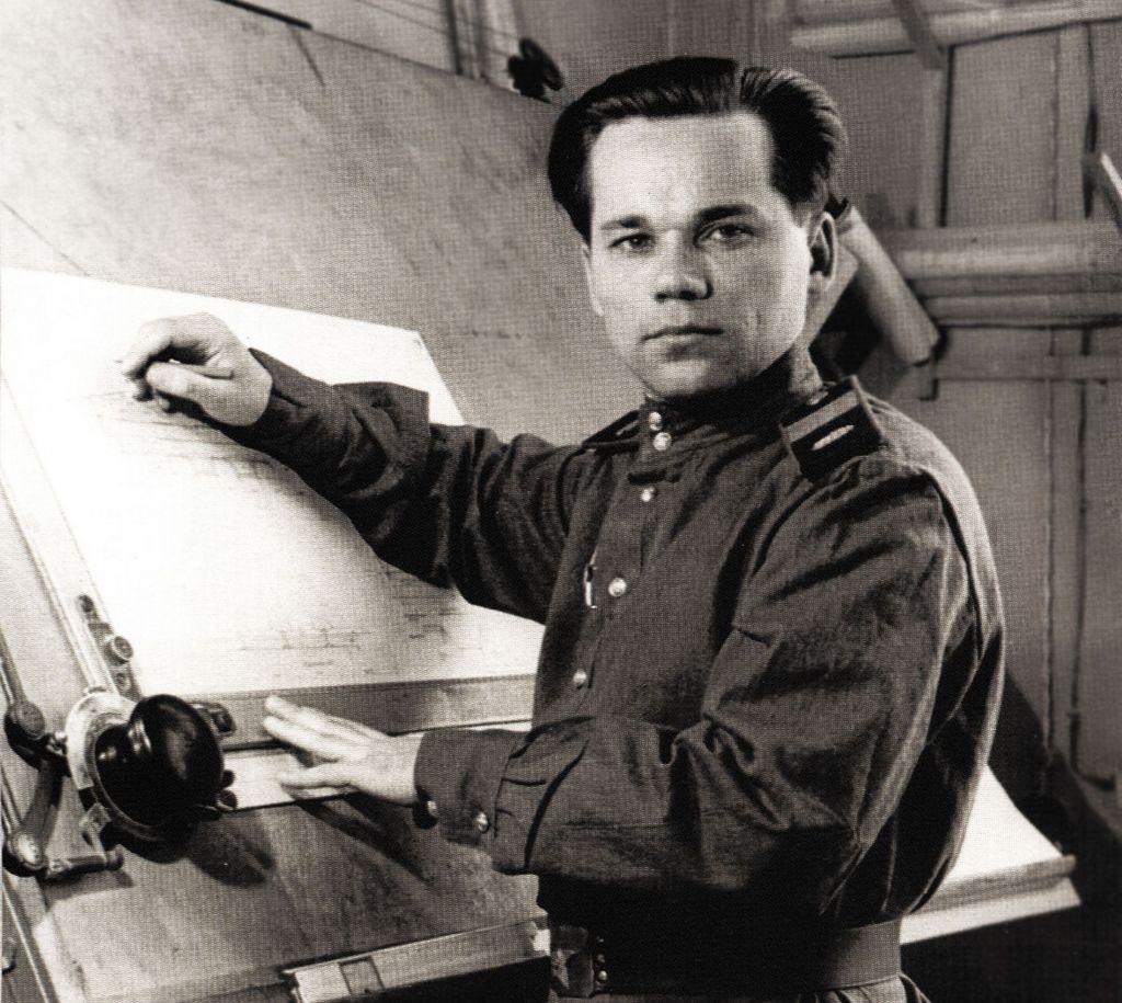 Танкист Михаил Калашников