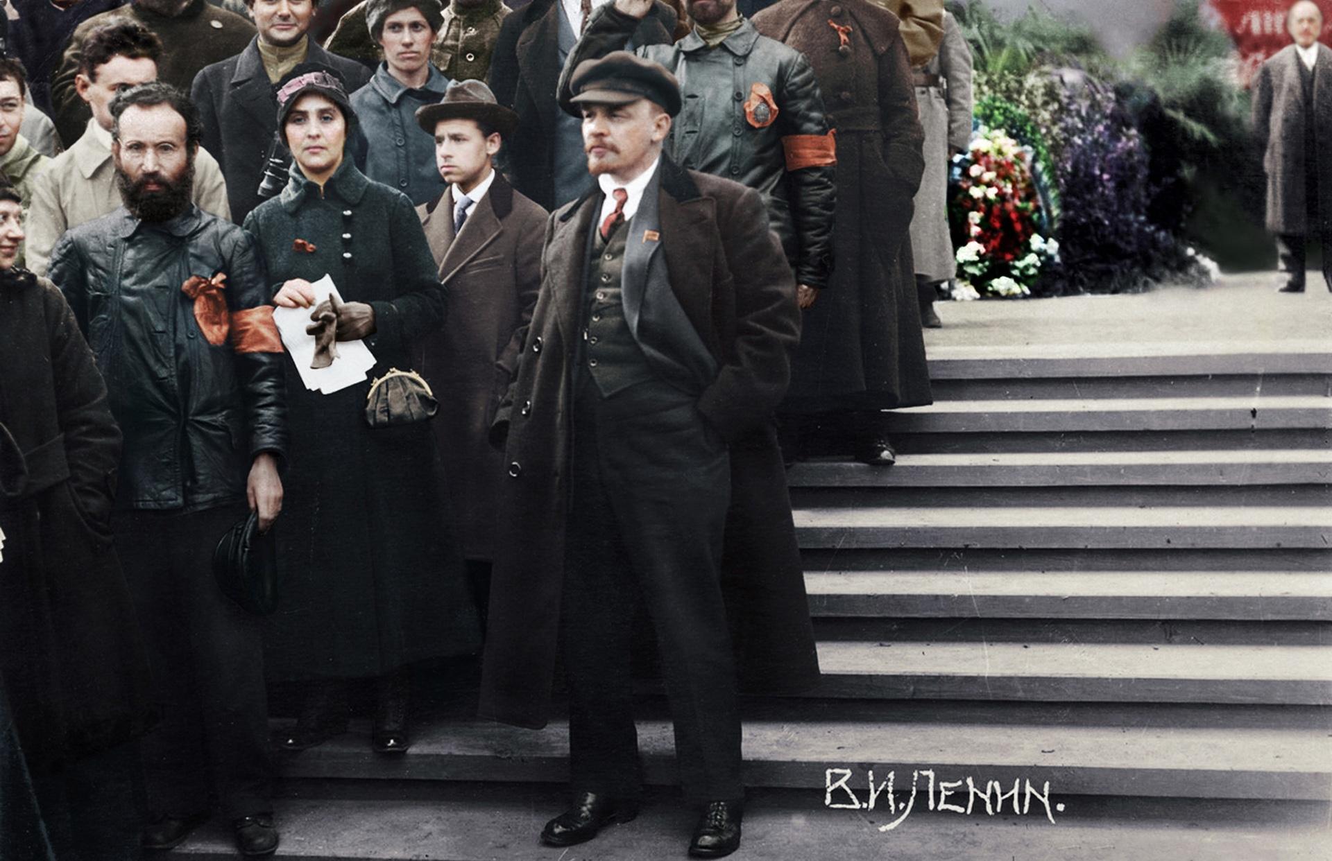 Зачем Ленин спасал родственников царя?