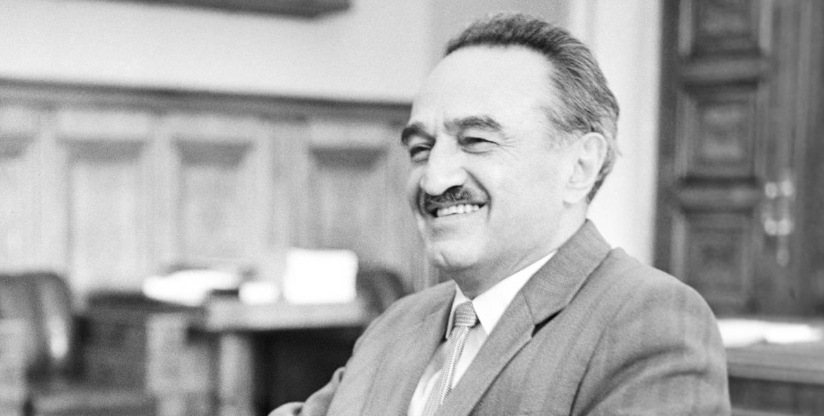 Внешней торговлей СССР руководил выпускник духовной семинарии