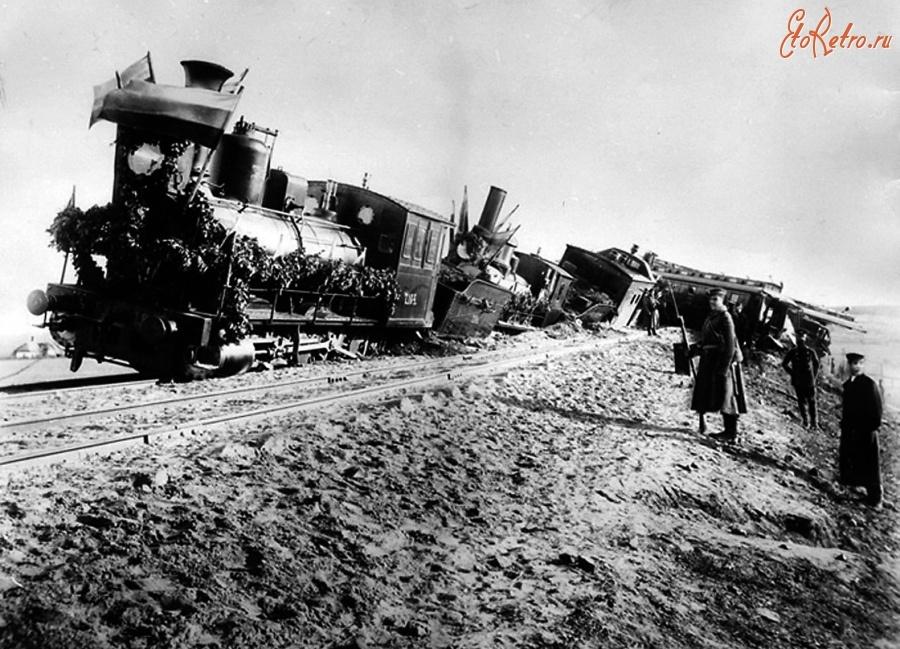 Трагедия в Борках - Александр III держал крышу вагона на себе