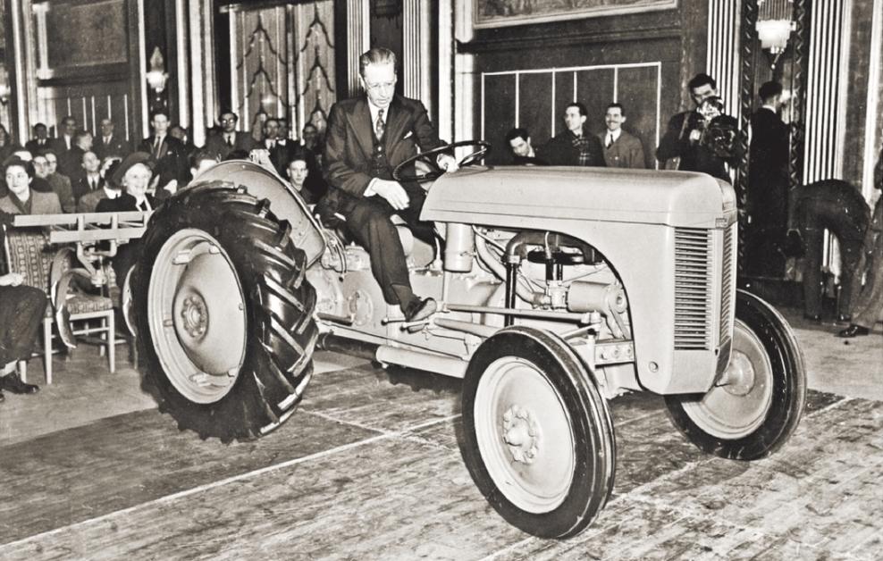 Создатель лучшего трактора в мире Гарри Фергюсон отказался от титула рыцаря