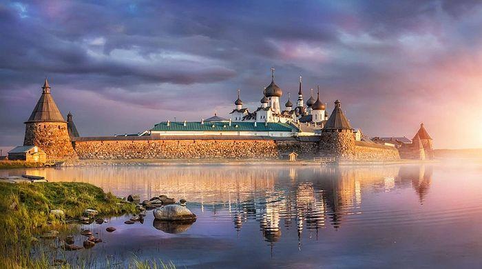 Соловецкий монастырь - обитель в Белом море