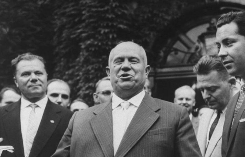 Почему Хрущева ненавидели армия и флот?