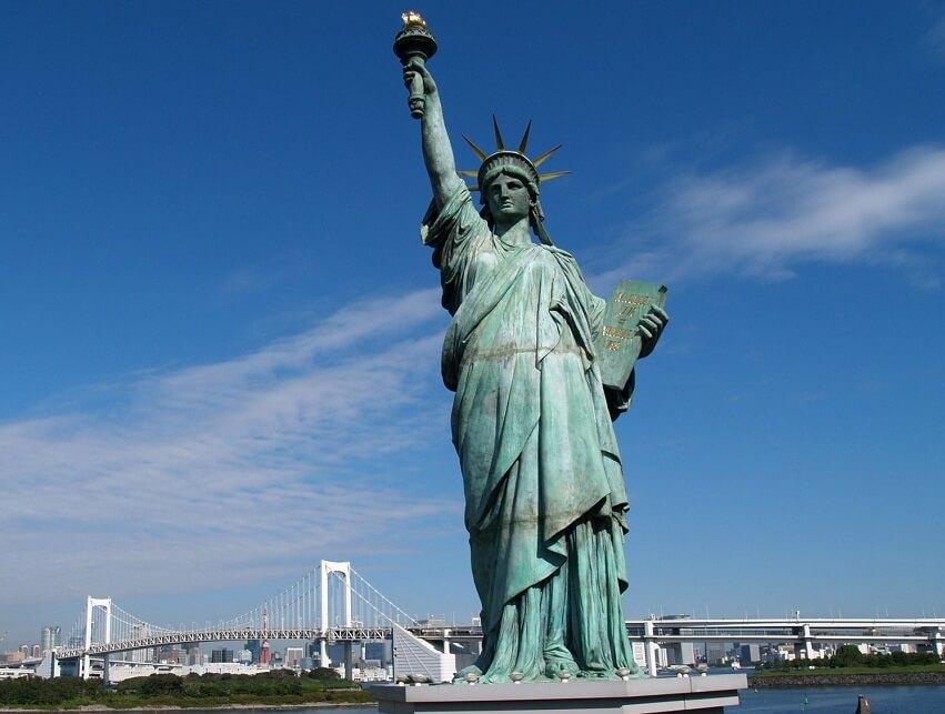 Статуя Свободы: проклятие богини тьмы